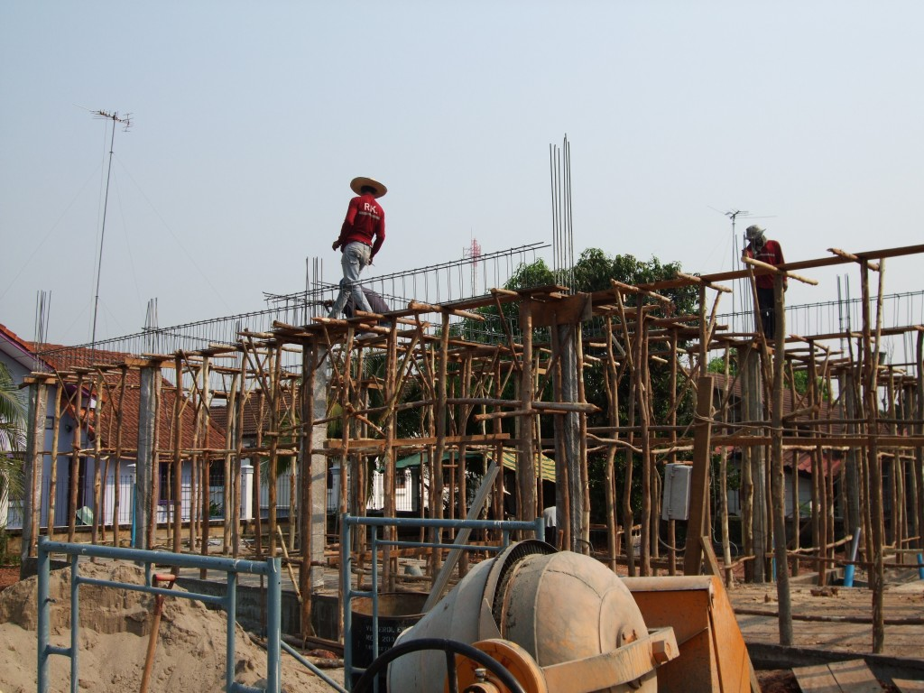 Second floor beam trusses and reinforcement structure