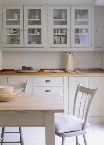 Plain english marianne simon design for Plain english cupboards