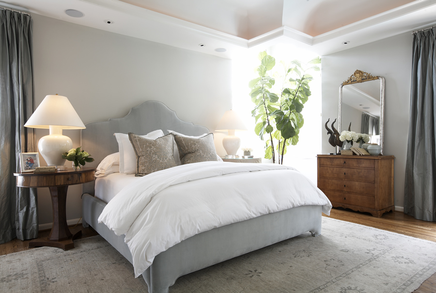 Small Bedroom Layout With King Bed