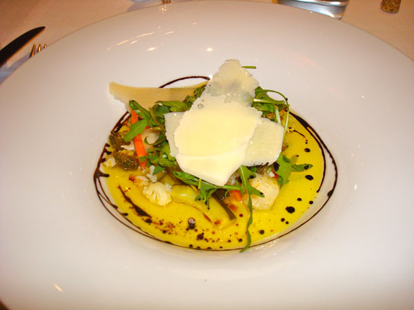 Vegetable Salad with Cheese at Cent 111 Once