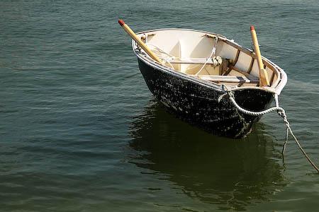 041008-dinghy.jpg