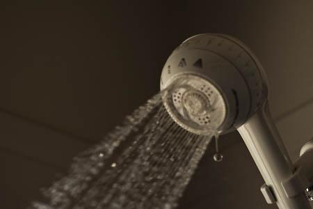 043008-shower-2.jpg