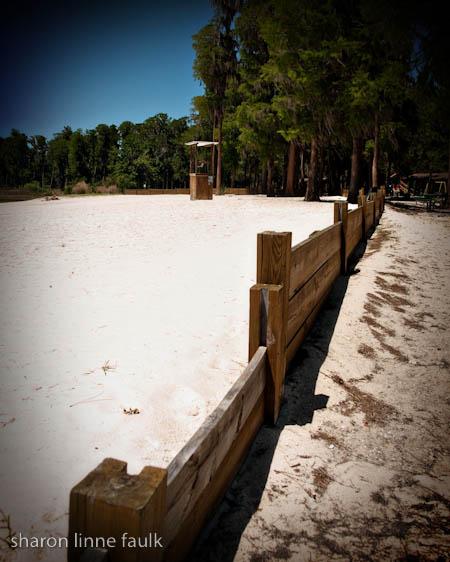 042309-beachfence