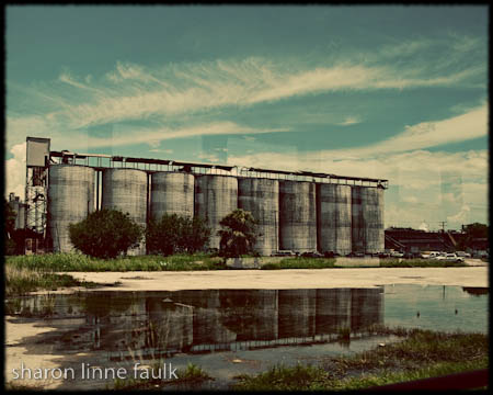 080609-silos
