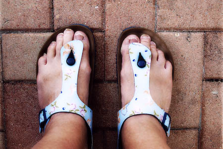 sharon-feet-032808-2-edit.jpg