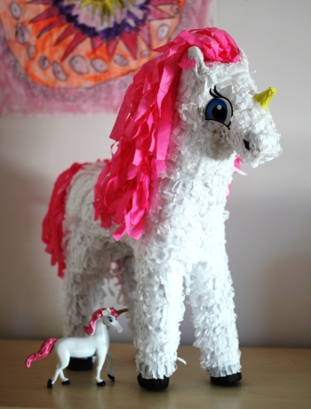unicorn-party-pinata.JPG