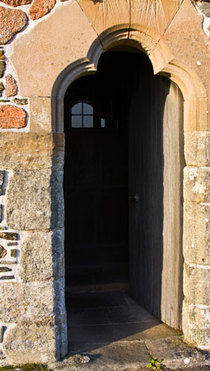 Doorway_at_iona_abbey