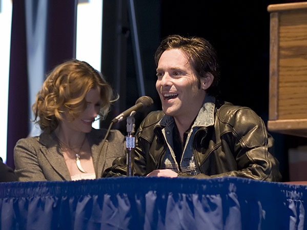 James Callis (Dr. Gaius Baltar) and Tricia Helfer (Number Six) from Battlestar Galactica