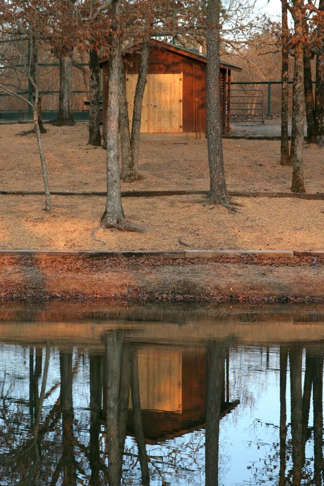 4way-shed-reflected-small.jpg