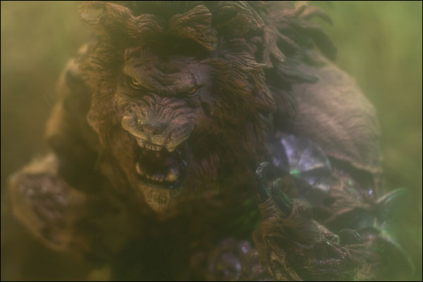 monsters2_lion_photo_01_dl
