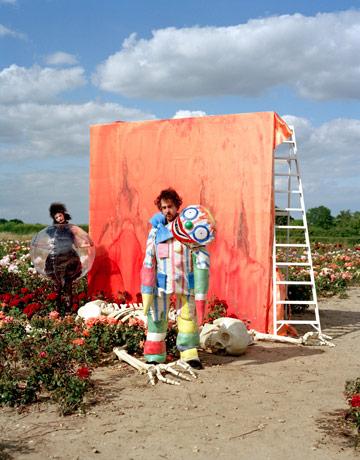 tim-burton-fashion-1009-09-de
