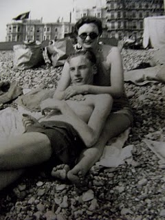 [Lazing+on+Brighton+Beach.JPG]