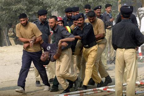 pakistan-violence-101509-lg.jpg
