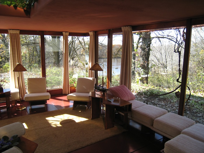 Frank Lloyd Wright's Cedar Rock house's Living Room