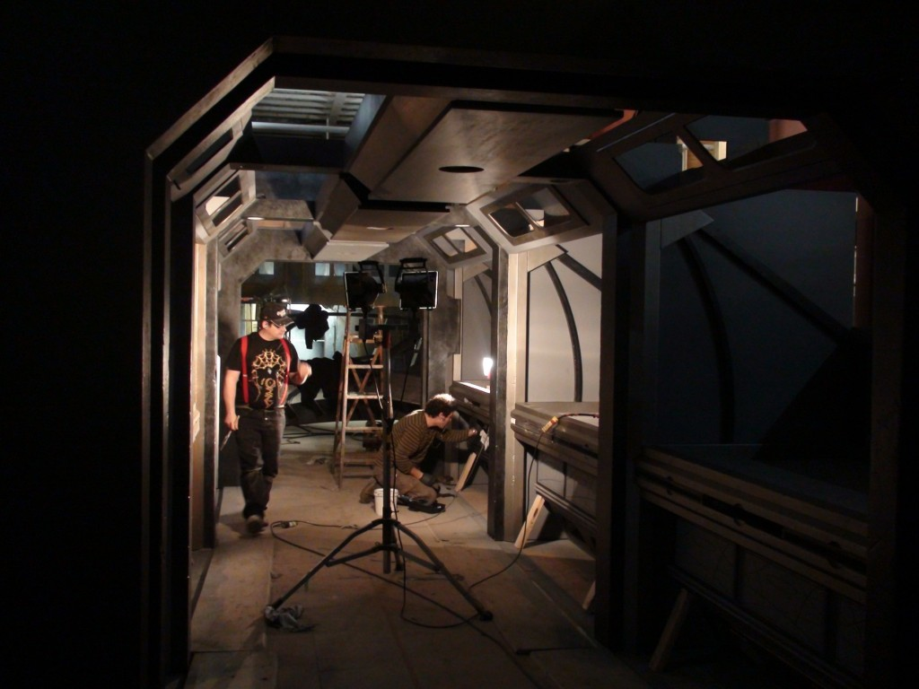 stargate-universe-corridor2