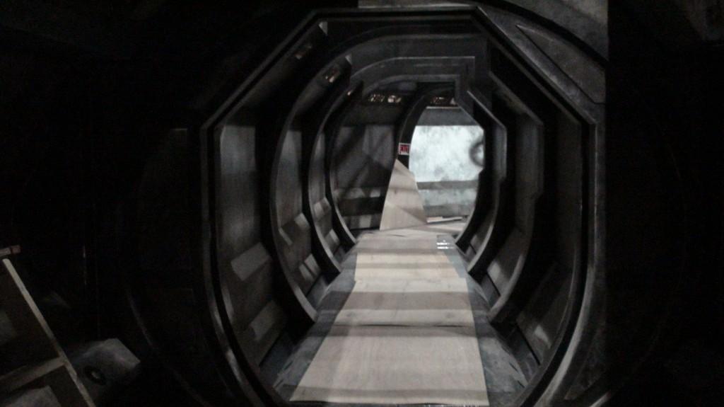 stargate-universe-corridor4