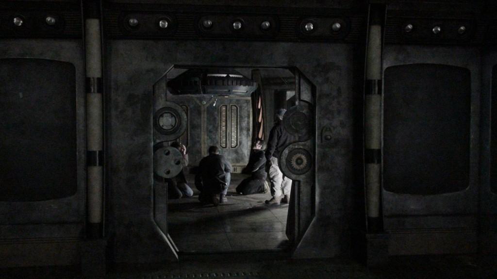 stargate-universe-corridor6