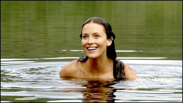 Kahlan swimming