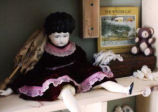 Mo doll