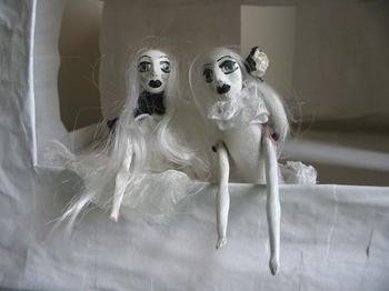 Dollhouse_hags