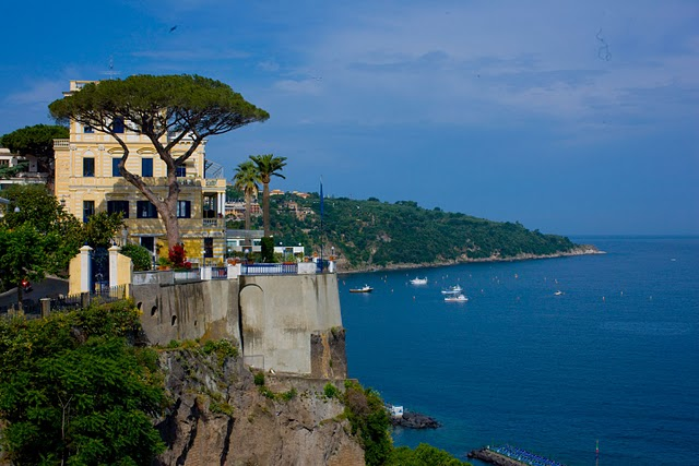 old-Italian-boutique-hotel-ocean-cliffs