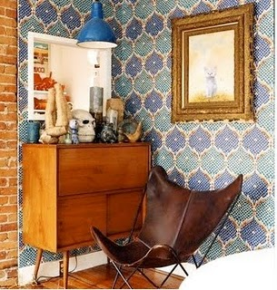 blue-wallpaper-leather-slung-chair-mid-century