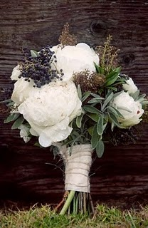 white-and-blue-flower-arrangements