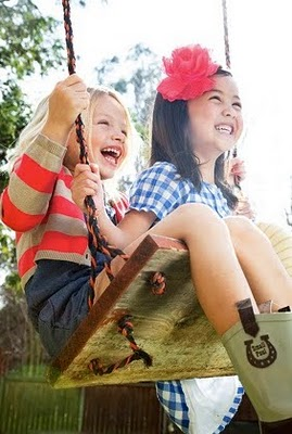 kids-fashion-playful-swing