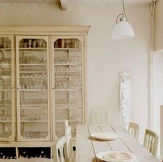 vintage-glass-door-china-cabinet