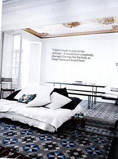vintage-tiles-soft-linens-day-bed
