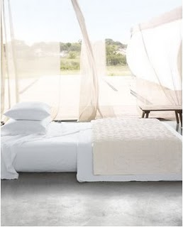 white-bed-linens