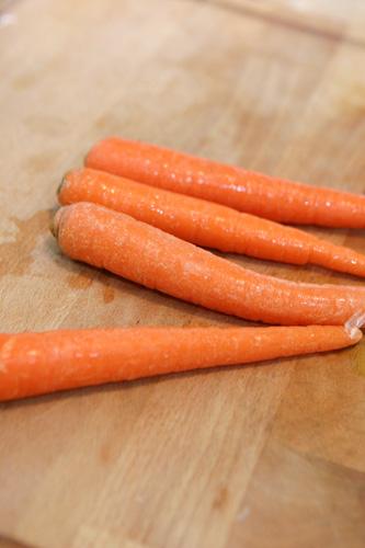 Carrots whole.jpg