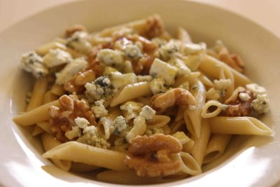 Delicious Recipe for Gorgonzola Penne Pasta with Walnuts ...