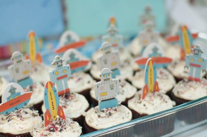 Quinn_2_cupcakes