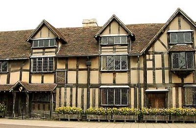 Neoclassical architecture classic colonial tudor style for Tudor colonial style home