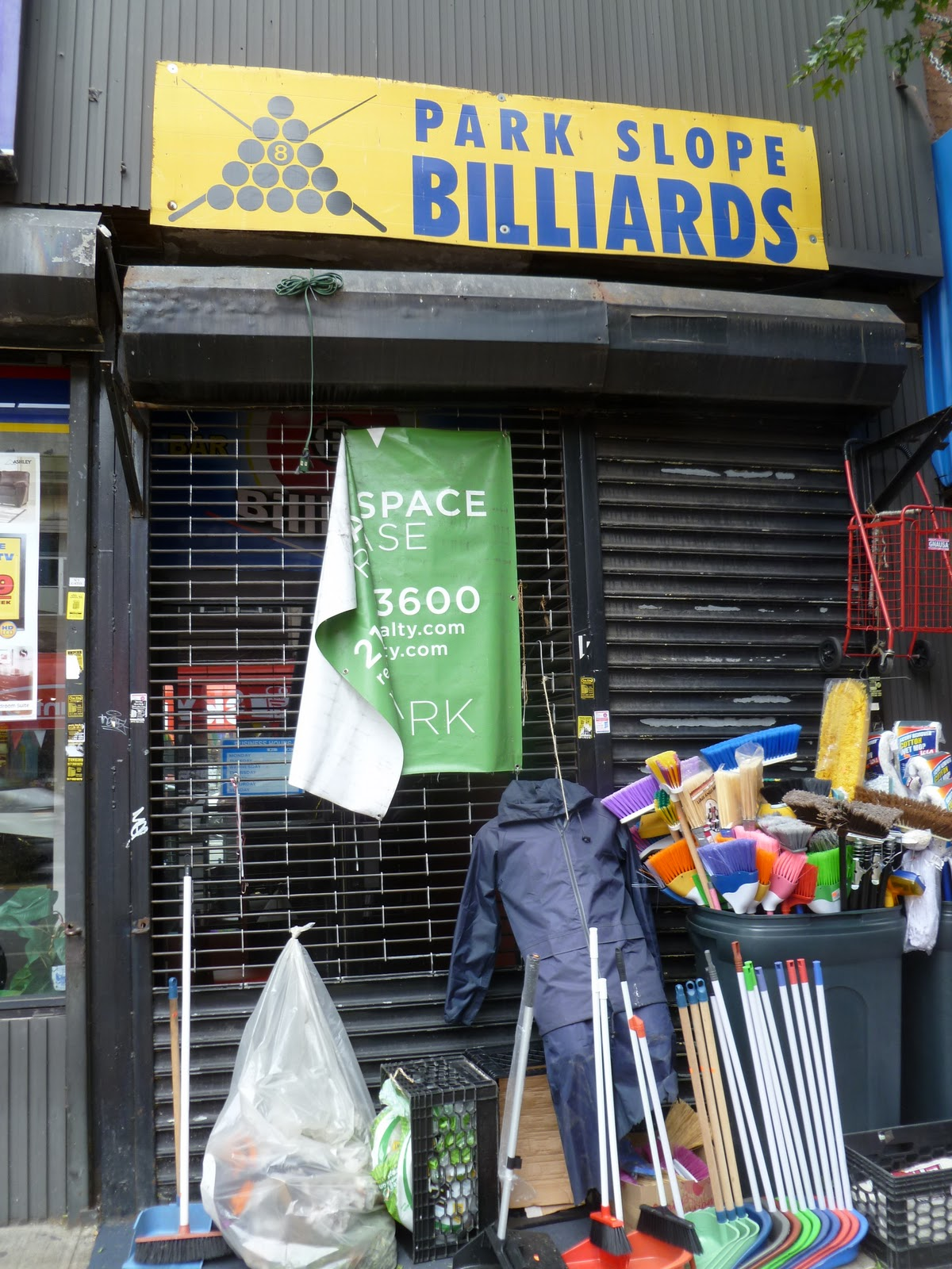 Blue apron park slope - Park Slope Billiards The Tiny Sliver Of A Storefront Hiding A Labyrinthine Subterranean Pool Hall Closed Without Much Fanfare Recently