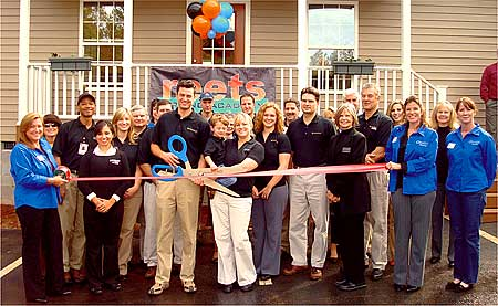 ribbon-cutting-11-2008.jpg