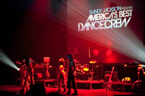 dancecrew01