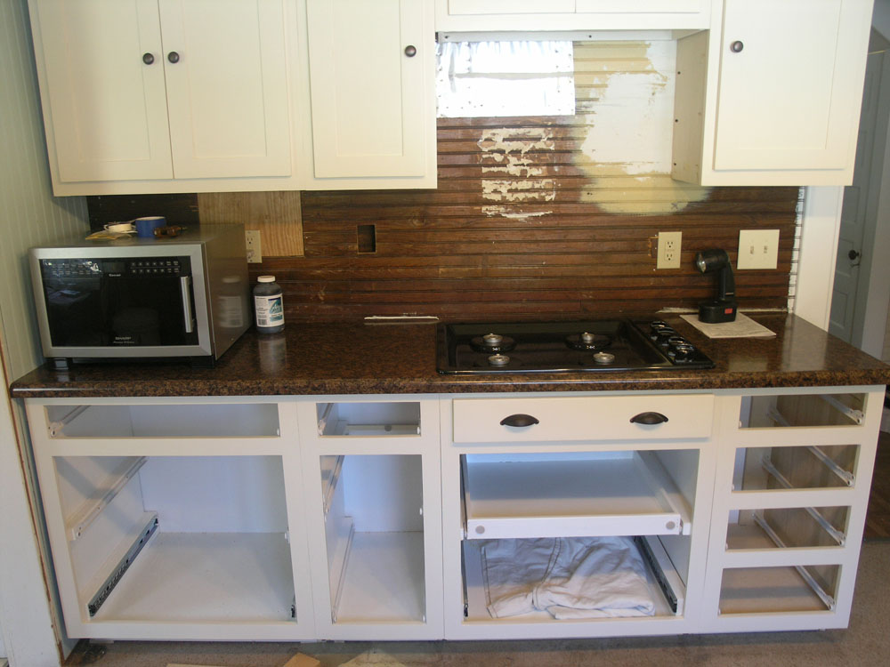 Countertop Gas Stove Philippines : Cabinets installed. All the bottom cabinets are actually pull out ...