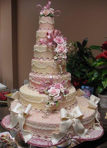 wedding cake disasters  Sunday Sweets: Wedding Wonders