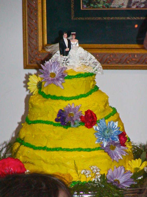 Cake Wrecks - Home - Who You Callin\' \'Pro\'?