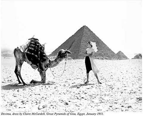 Richard Avedon fashion shoot at Pyramids, 1951