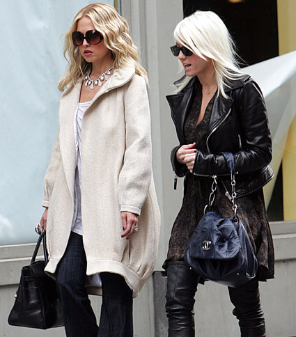 Photo of Rachel Zoe with assistant courtesy of TheFrisky.com